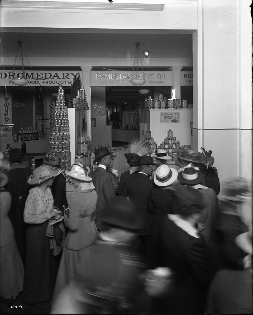 Pompeian Olive Oil Company's exhibit. Cardinell-Vincent Company, Photographer Courtesy UC Davis Special Collections.