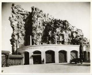 Old Faithful Inn, Panama-Pacific International Exposition. Courtesy San Francisco Public Library.