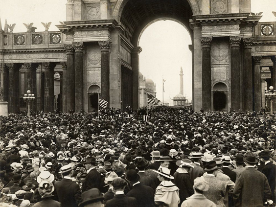 William Jennings Bryan speaking at Independence Day Celebration, courtesy San Francisco Public Library.
